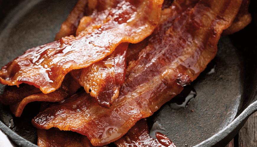 F. Ménard | Nos produits | Bacon dans une poêle
