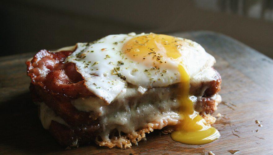 Pain doré «grilled cheese» au bacon | Recette | F. Ménard
