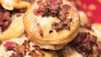 Petits pains gratinés ail et bacon au poivre | Recette | F. Ménard