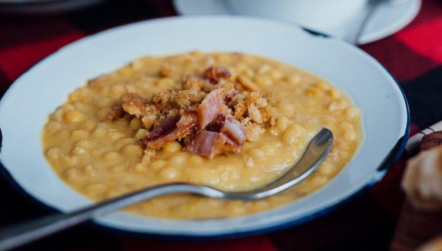 Soupe aux pois avec crumble salé | Recette | F. Ménard